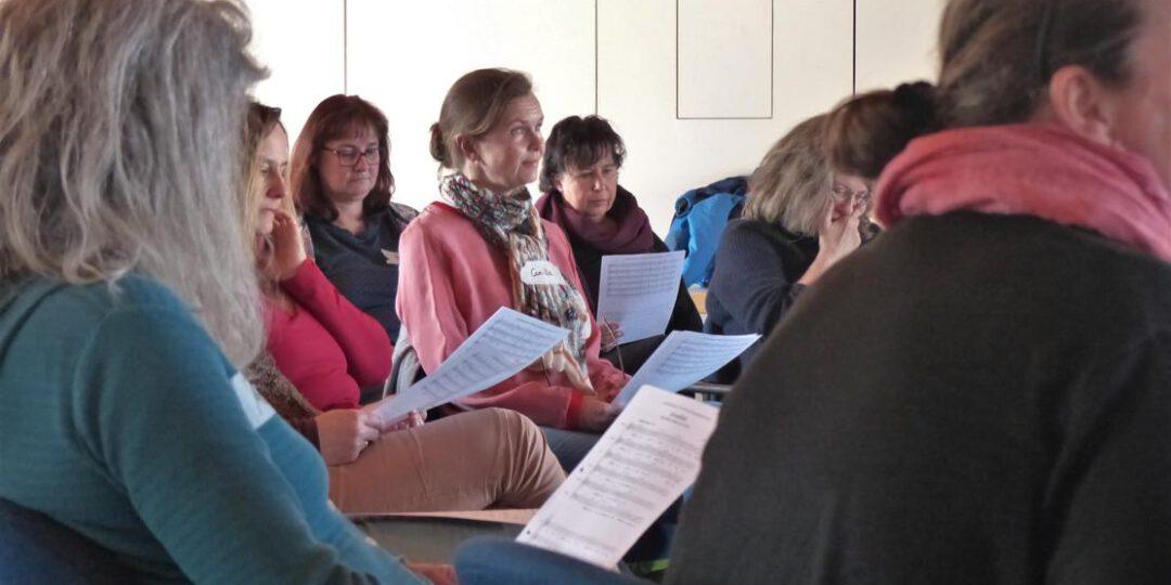 Sängerinnen bei der Chorprobe